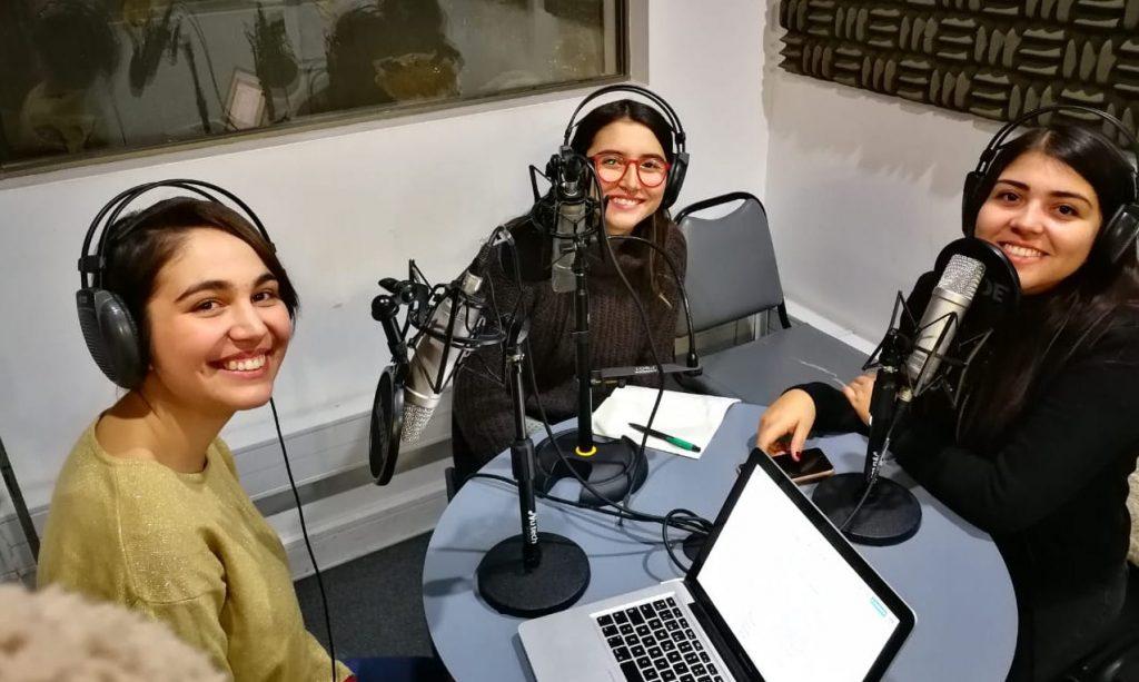 Carolina Rubilar, integrante de Las Bulla, en Copadas de la Radio JGM